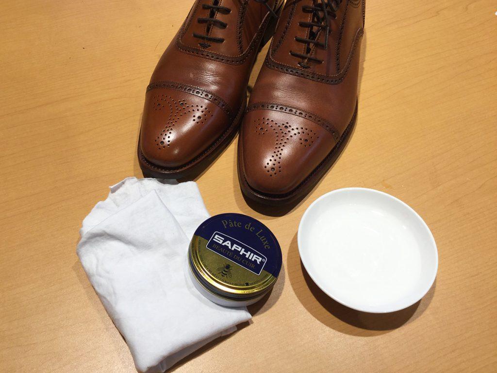 鏡面磨き用の道具